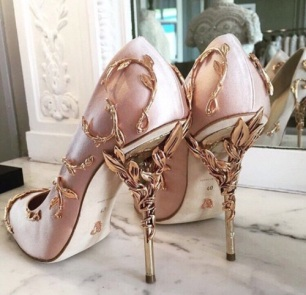 How to make wedding shoes more comfortable3
