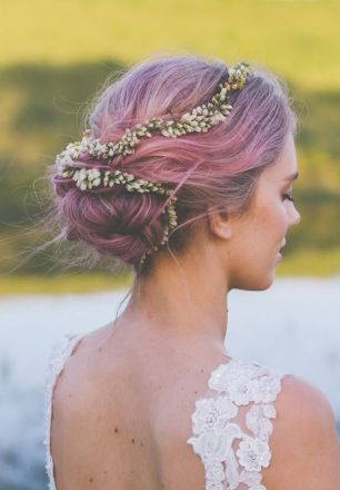 Short hair bride pink wedding