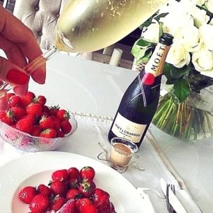Ha a romantika jelképe szerinte a pezsgő
