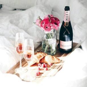 champagnestrawberries
