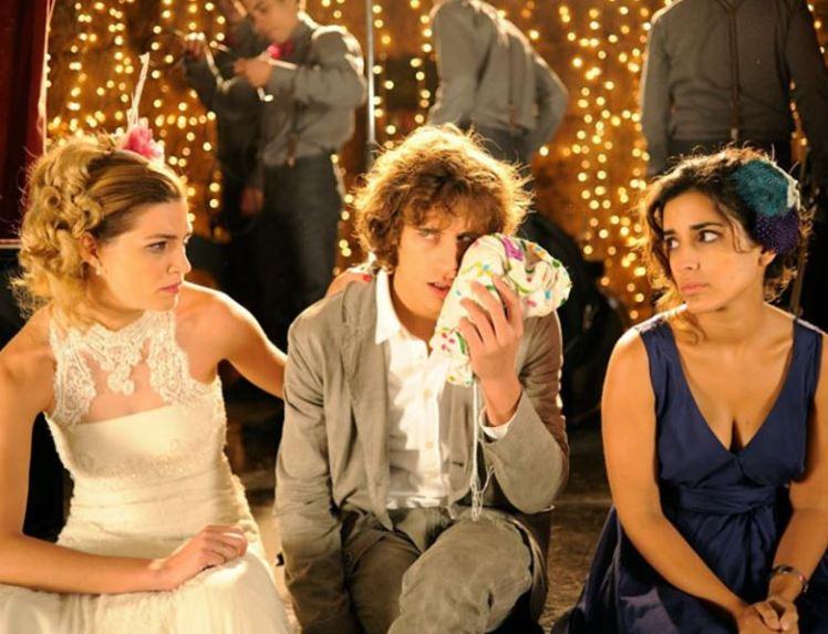 Hárommal_Több_Esküvő